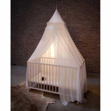 Babykamer decoratie klamboe wit